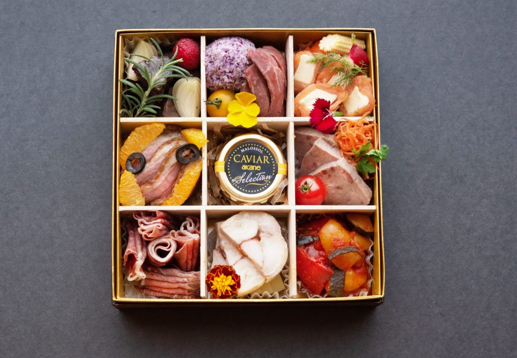 【オンアース】日本料理 花隈鈴江 2021おせちご予約承り中